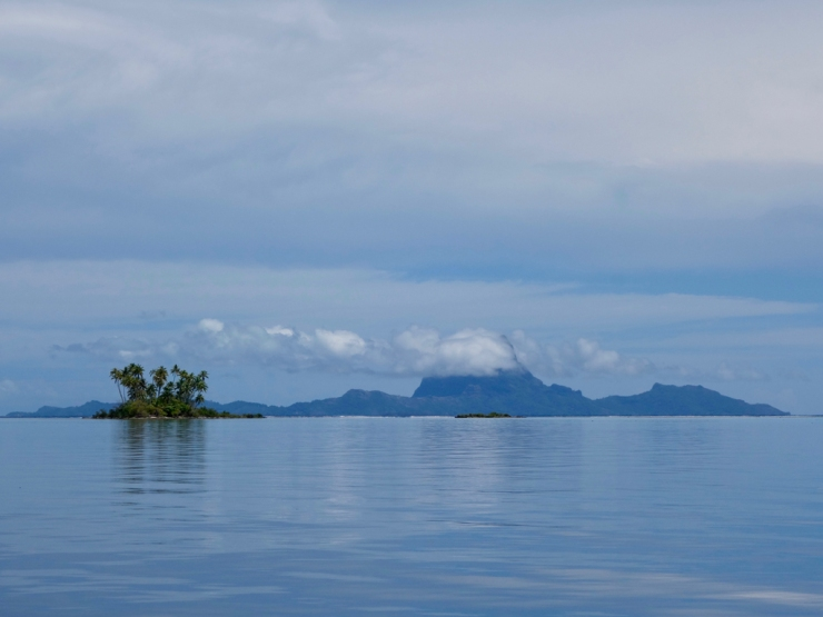 Bora-bora avec ses nuages